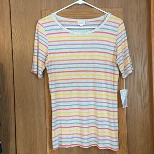 NWT LuLaRoe Gigi Top size small rainbow stripes